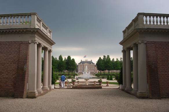 Colonnades Loo