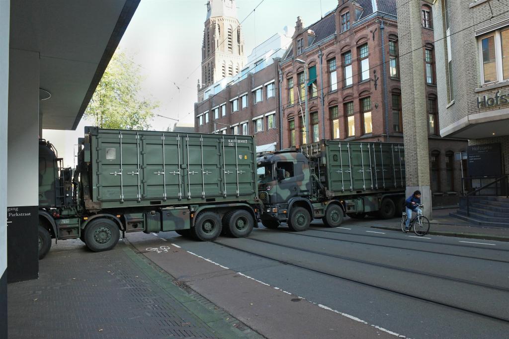 Legervoertuigen Parkstraat Den Haag